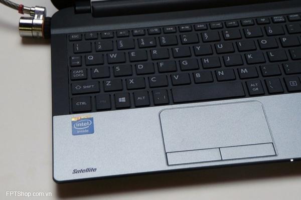 Bàn phím và touchpad có chất lượng ở mức trung bình