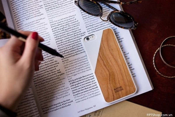 Native Union CLIC Wood iPhone Case