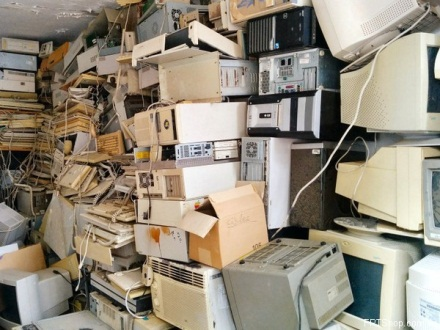 rợn người nơi chôn cất các thiết bị công nghệ trên thế giới