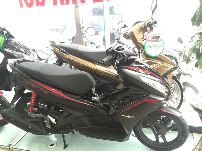 Honda Air Blade 125 Black Edition