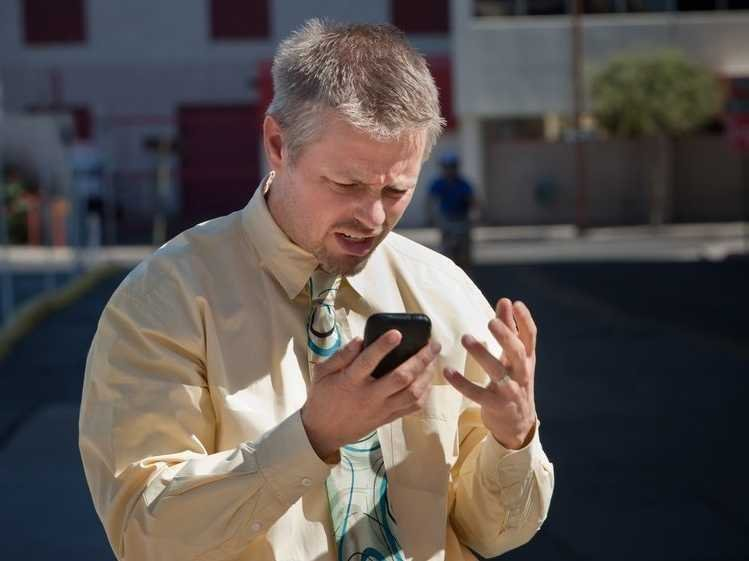 man-frustrated-with-phone