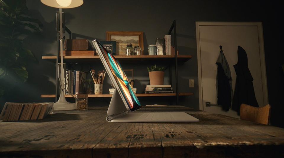 iPad Pro 2021 có giá lên tới 2400 USD