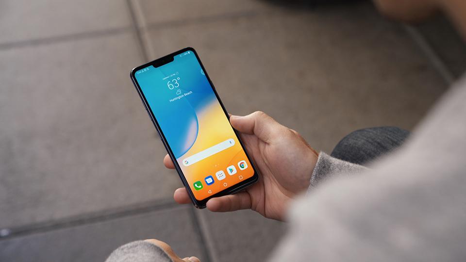 So sánh LG G7 ThinQ và Galaxy S9+ 04