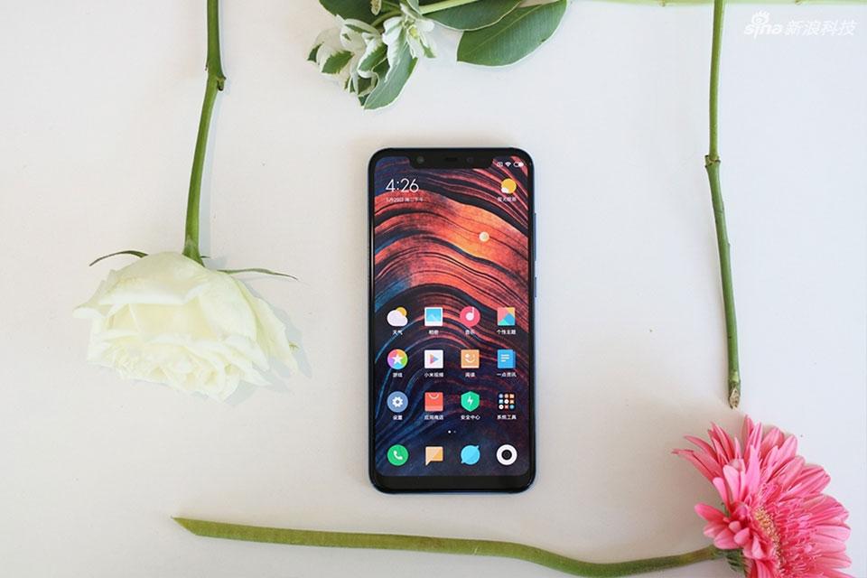 Trên tay Xiaomi Mi 8