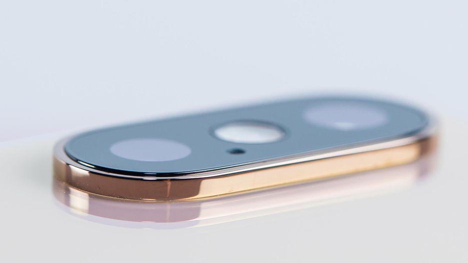 Ngắm thiết kế long lanh của iPhone XS qua góc nhìn cận cảnh 5