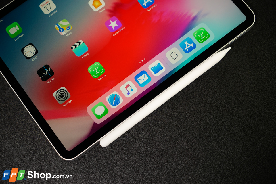 Trên tay iPad Pro 11 12