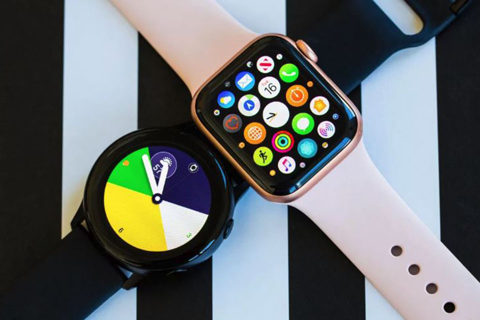 So sánh Apple Watch series 4 với Galaxy Watch Active